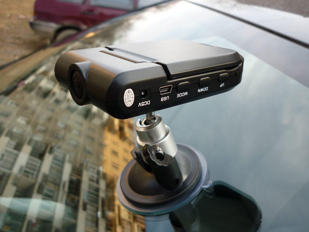 Видеорегистраторы автомобильные новинки 2016 рейтинг