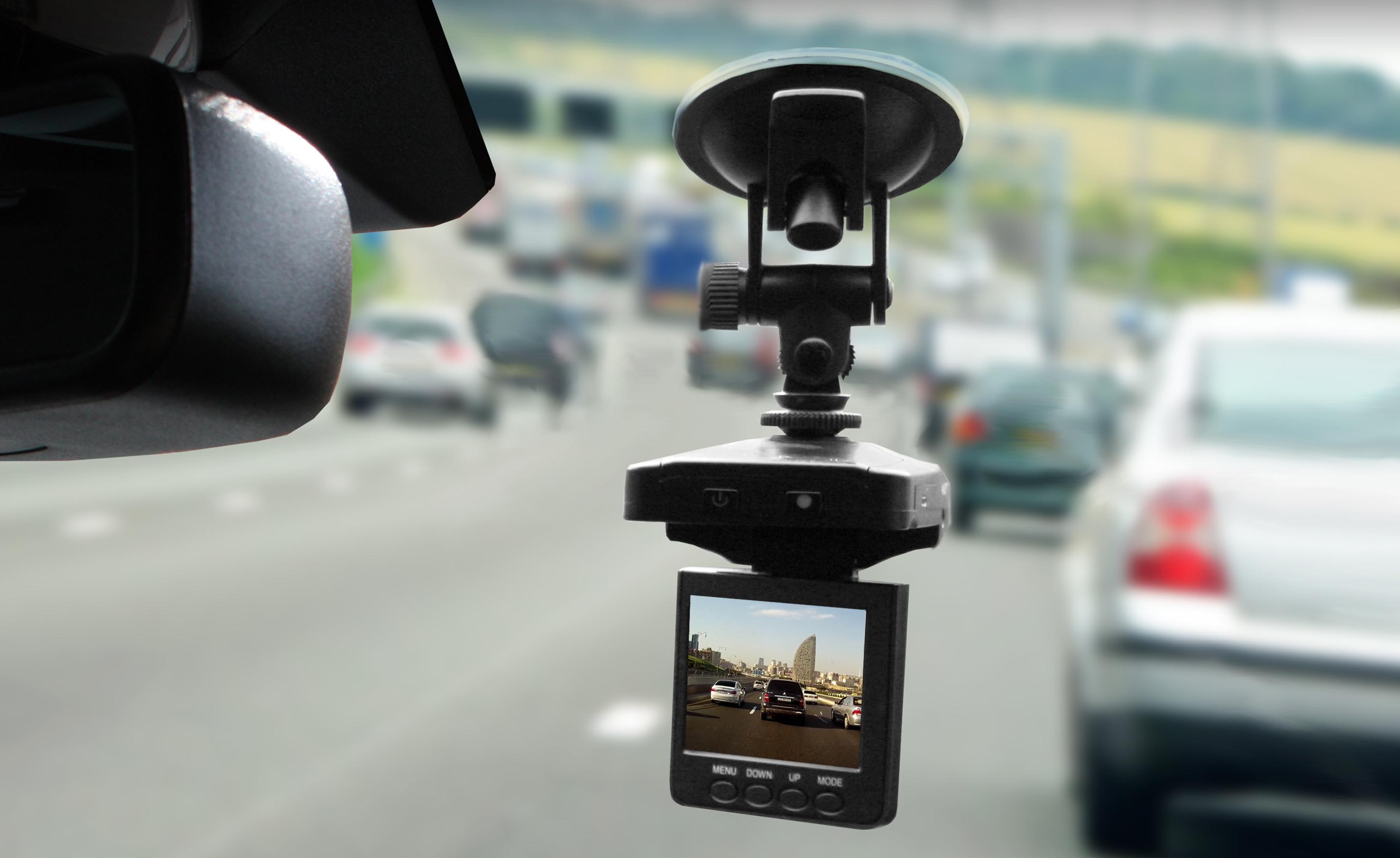 Покупаем видеорегистратор на что обратить внимание видеорегистратор cyfron dv-832xl