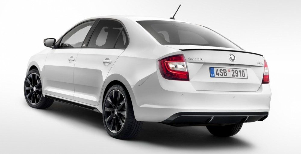 На российский рынок поступят автомобили оснащенные двумя бензиновыми двигателя 1,6 л (90 и110 л.с.), а также с бензиновым турбомотором 1,4 л (125 л.с.).