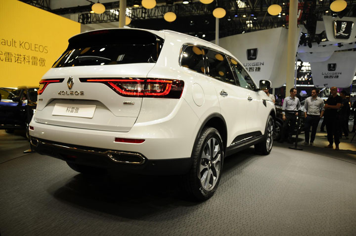 При этом все версии Renault Koleos поставляются только с вариатором и полным приводом.