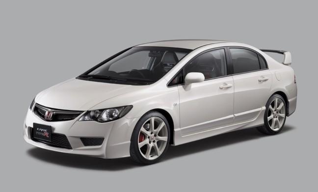 Современный дизайн Хонда Цивик притягивает к себе внимание