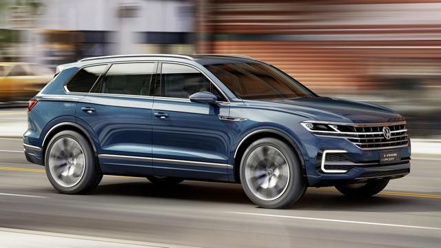 Комплектация и технические характеристики нового Volkswagen Touareg 2017 года будет напрямую зависеть от желания будущего владельца, т.е. есть возможность выбрать как пакет опций, так и заказать дополнительное оборудование вроде кожаной обивки салона, фирменной аудиосистемы или усиленной подвески 4XMotion
