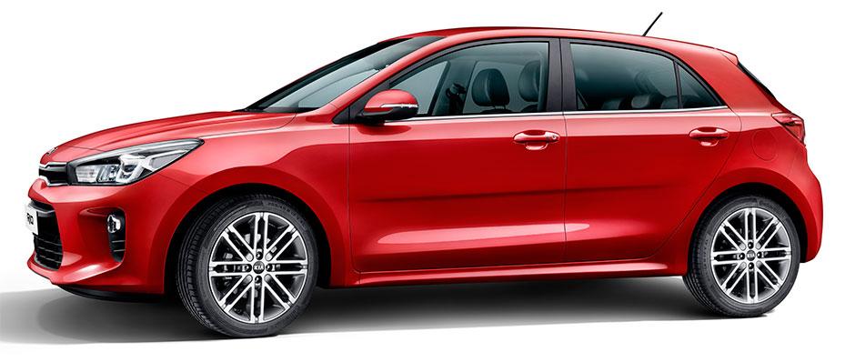 Новая Kia Rio осталась хорошо узнаваемой благодаря тому, что боковина кузова не была подвержена изменениям.